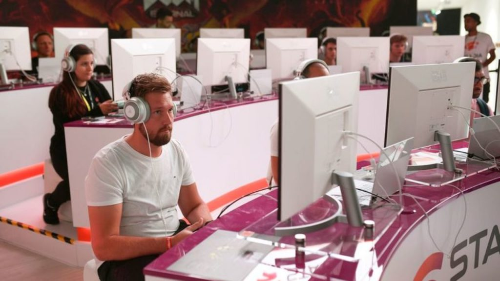 Poor Customer Service  | 8 Reasons You Shouldn't Buy Google Stadia (Yet) | Gammicks