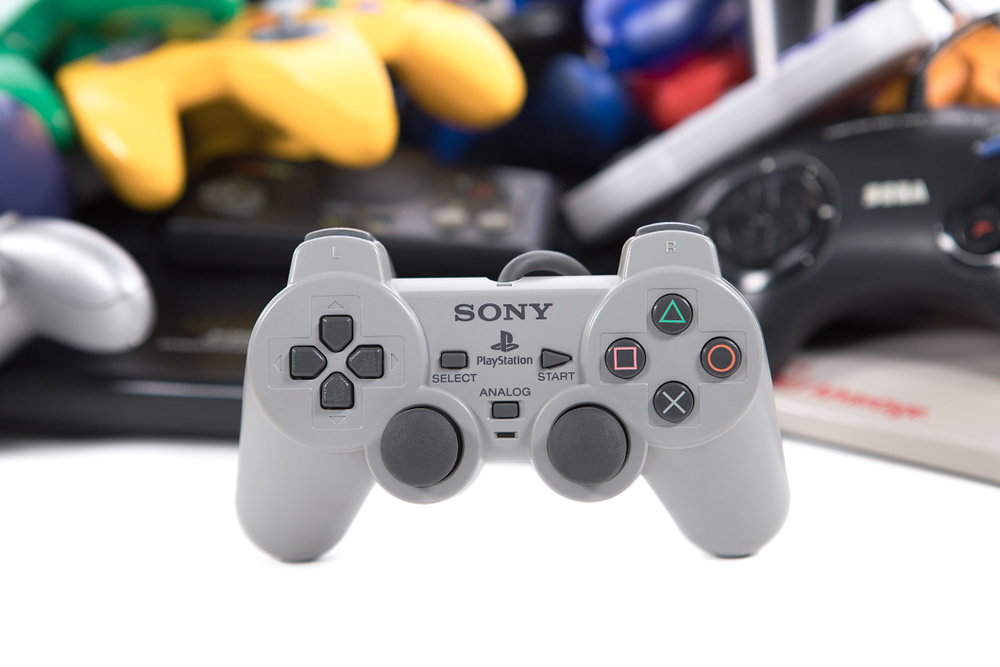 The Controller As You Know It   8 Ways the Original Playstation Changed Gaming History   Gammicks